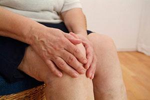 Отек и опухоль коленного сустава