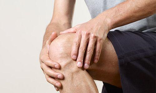 Болят коленные суставы
